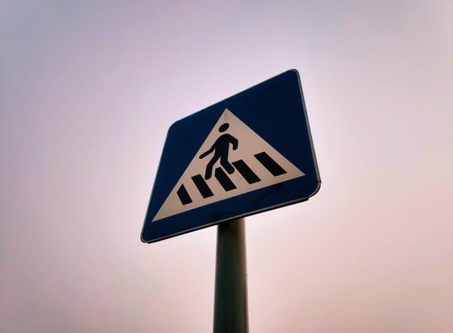 Znaki drogowe w mieście
